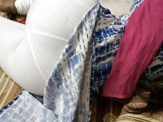 bhabhi ki superb gaand white leggings