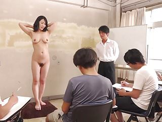 Subtitled CMNF ENF shy JAV milf naked artwork class in HD