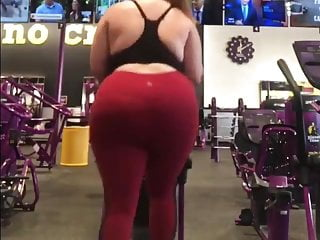 Pawg on treadmill