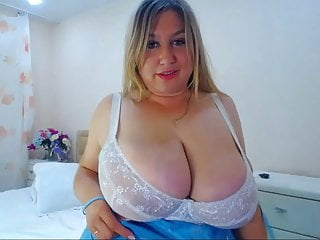 Busty Net Cam Bimbo 40G Cup Function Enjoying