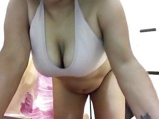 Hot BBW dark skinned sexy mom flashing vagina