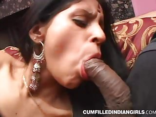 Hardcore sex of indian slut fucked in group threesome