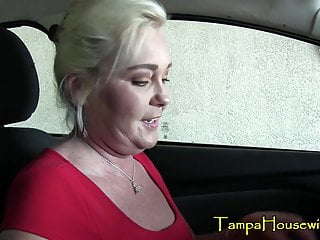 Mommy is One In need of sex Cougar