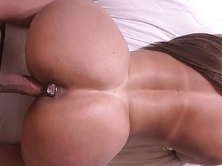 She had a plug in her ass all day & wished to maintain it there
