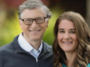 Jennifer gates, the daughter of bill gates, is engaged to equestrian nayel nassar. Gaya Sederhana Jennifer Anak Bill Gates Dilamar Nayel Nassar