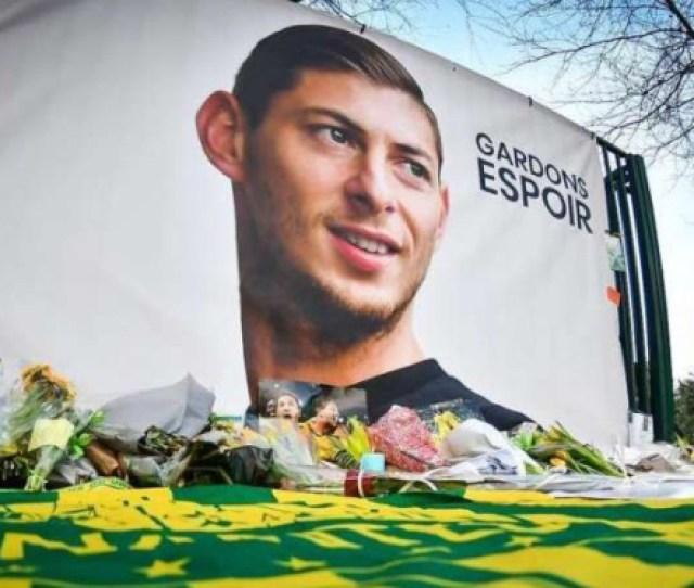 Duka Mendalam Sepakbola Dan Solidaritas Pemain Dunia Untuk Sala Viva