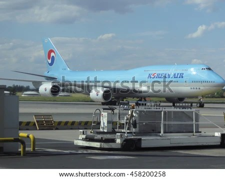 Biggest Passenger Aircraft Stock Images, Royalty-Free ...