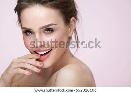 https://i1.wp.com/thumb1.shutterstock.com/display_pic_with_logo/614404/652020106/stock-photo-beautiful-woman-with-beauty-face-makeup-portrait-of-attractive-female-touching-smooth-facial-skin-652020106.jpg?w=640&ssl=1