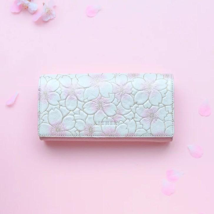 【AETHER(エーテル) 】長財布 かぶせ レディース ヌバックレザー「サクラ」 桜色 桜柄 二つ折り 大容量 か...