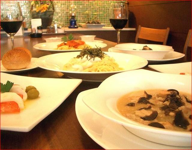 ディナーセット イタリア料理 コース 2人前前菜 生パスタ 鶏もも肉 煮込み 黒トリュフ パン デザート パーティー 記