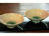 【ふるさと納税】深い緑色が人気の花びら鉢(2枚セット)・通