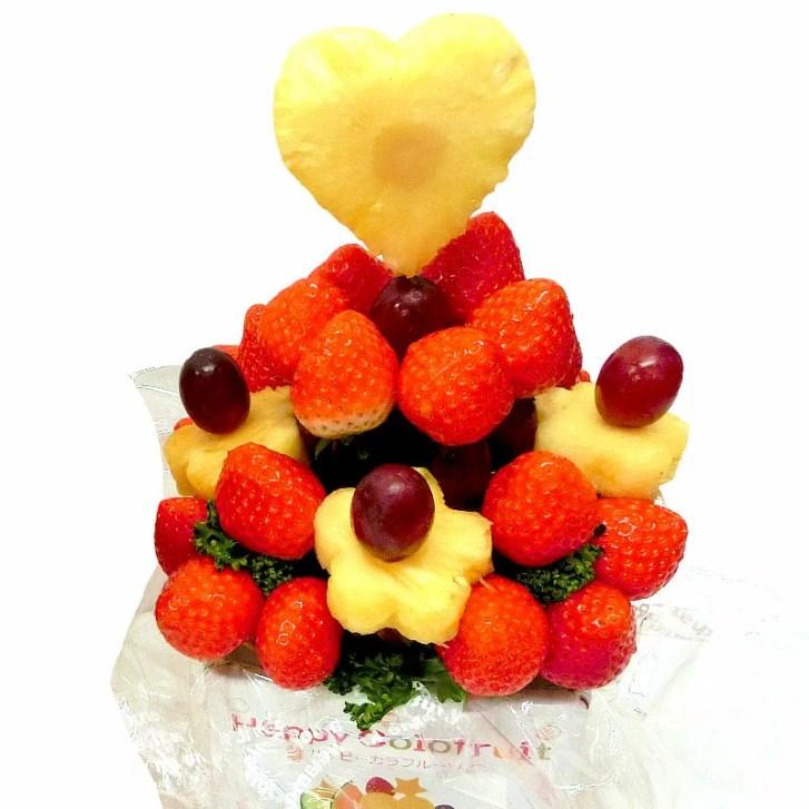 [ギフトパーク] 【クリスマス期間予約】 クリスマスケーキより珍しいカットフルーツ盛り合わせ【いちごブー...