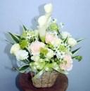 淡いアレンジ【お供え】生花 アレンジ 花束 フラワーギフト 花の贈り物 母の日 父の日 プレゼント
