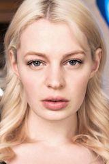 profile image of Chloe Farnworth