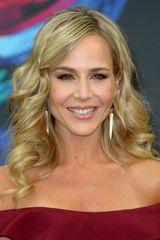 profile image of Julie Benz