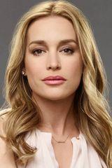 profile image of Piper Perabo