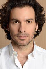 profile image of Santiago Cabrera