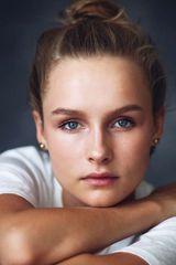 profile image of Olivia DeJonge