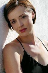 profile image of Lara Harris