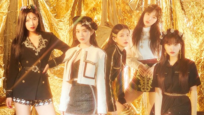 """Here's How Fans Are Reacting To Red Velvet's Throwback Project """"Queens Archive"""" 