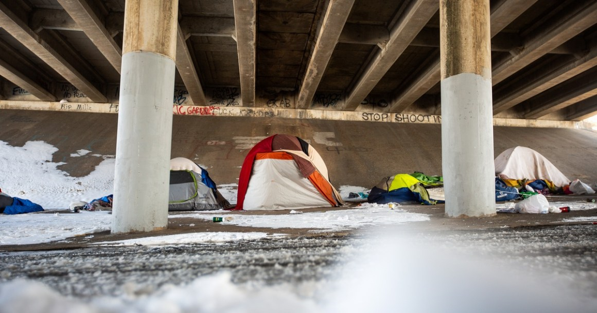 As Austin voters weigh camping ban proposition, Texas lawmakers consider bills to prohibit homeless encampments statewide