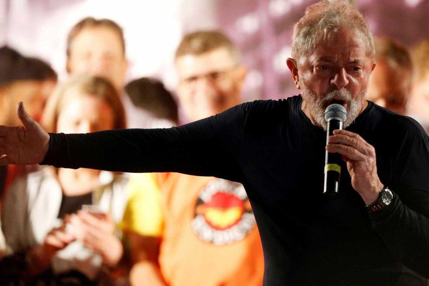 """luiz inacio lula da silva - Lula diz que será candidato: """"Não cometi nenhum crime"""""""