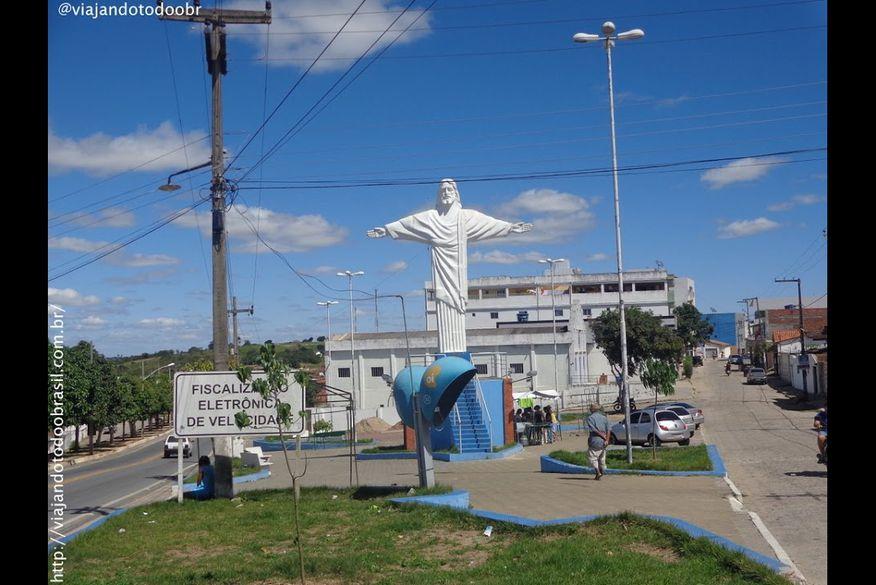 lagoa da roca - Jovem é assassinado a tiros em campo de futebol na Paraíba
