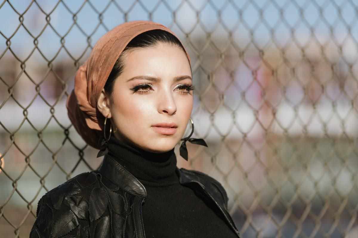 In 2015, she was believed to be the first tv news reporter in north. Hijab Wearing Journalist Noor Tagouri On Why You Should Be Unapologetically Yourself