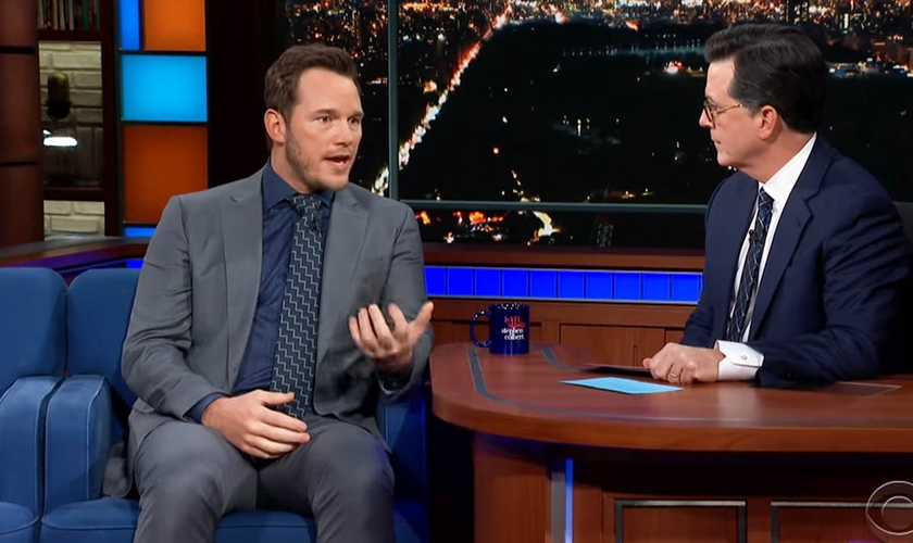 Chris Pratt falou sobre sua fé cristã em entrevista no talk show The Late Show com Stephen Colbert. (Foto: Reprodução/CBS)
