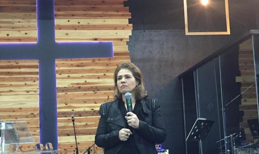 Mary Duarte ministra no congresso Kingdom Movement, no Japão. (Foto: Guiame/Marcos Corrêa)