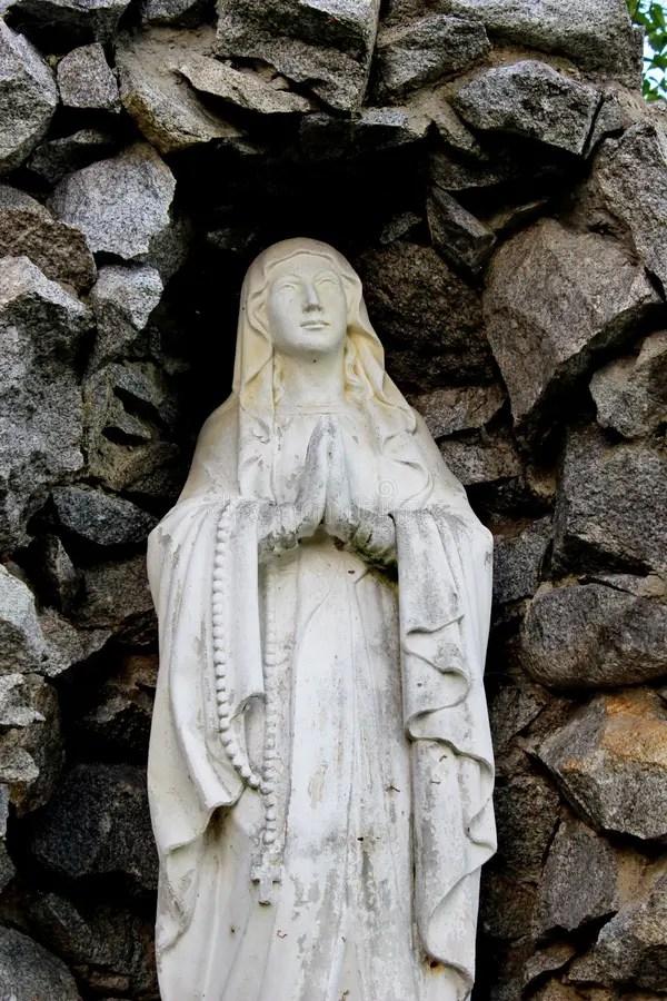 Винтажная статуя молодой виргинский молить с смертной ...
