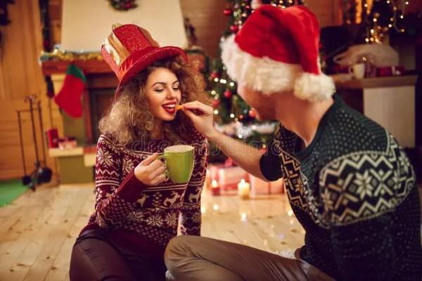 Парень с подругой на рождестве Стоковое Фото - изображение ...