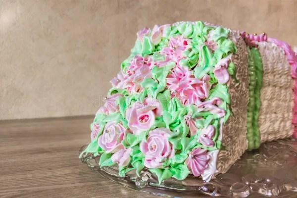 Торт губки в форме букета цветков Стоковое Изображение ...
