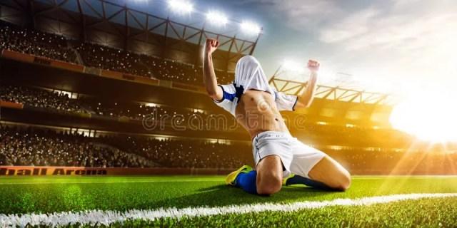 活动充分isloted照片球员足球工作室库存图片. 图片包括有成人, 男性, 被照顾的, 操场, 运动- 51237631