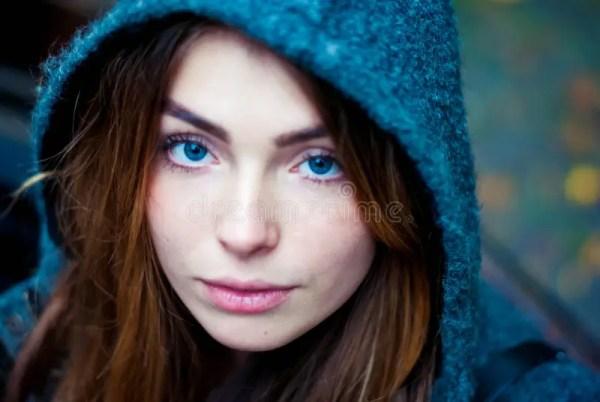 Beautiful Girl Blue Eyes Pictures | Adsleaf.com
