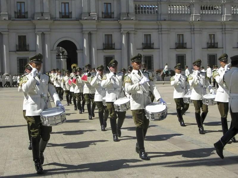 Cambio Ceremonial Del Guardia En Palacio De La Moneda Imagen ...