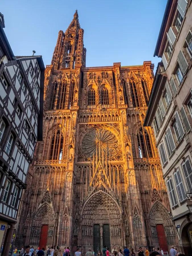 Cathedrale Notre-Dame, Estrasburgo Francia Foto de archivo ...