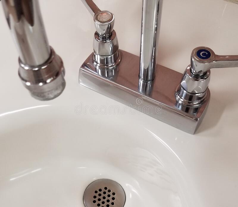 4 770 porcelain sink photos free royalty free stock photos from dreamstime