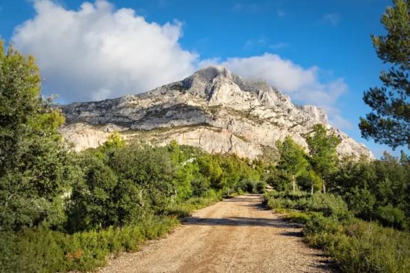 Cume Da Pedra Calcária, Penhasco De Iorgovanului Na Montanha De Retezat,  Romênia Imagem de Stock - Imagem de pedra, cume: 42823317