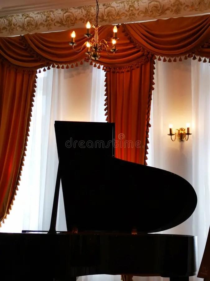 Set di 2 splendide tende in stile tradizionale. 5 839 Tende Classiche Foto Foto Stock Gratis E Royalty Free Da Dreamstime