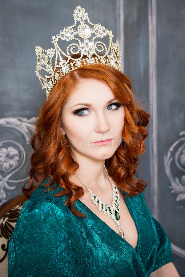 Queen Royal Person With Crown Red Hair And Green Dress
