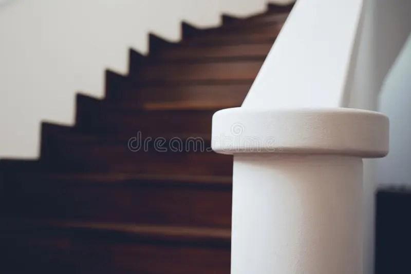 Cerca ispirazione in questa selezione delle più belle case. Scale Interne Moderne Foto Foto Stock Gratis E Royalty Free Da Dreamstime
