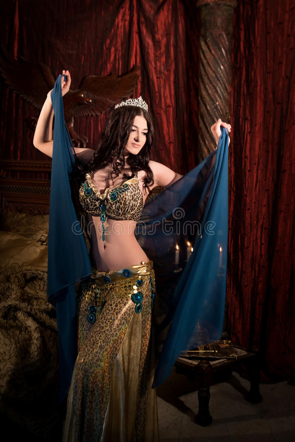 Belly Dancer Images - Download 9,913 Royalty Free Photos ...