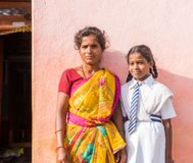 School In An Indian Village Puttaparthi Andhra Pradesh India July 9 2017 Indian Woman In Sari