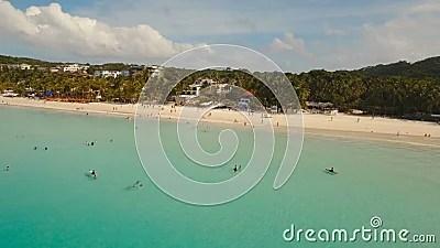 Пляж вида с воздуха красивый на тропическом острове Остров ...