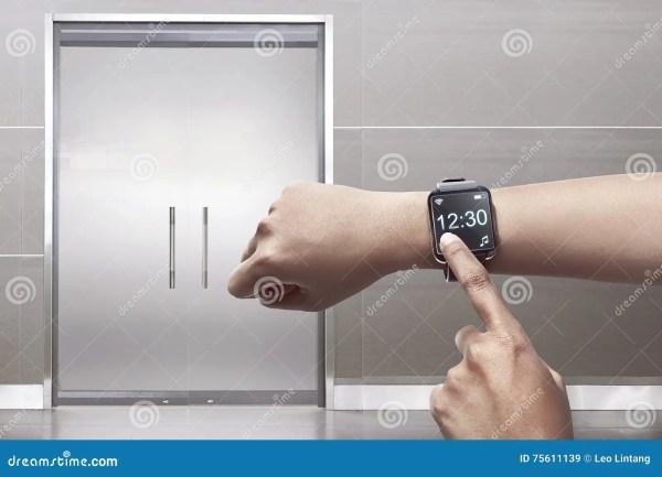 Smartwatch Arm Stock Illustrations – 209 Smartwatch Arm ...