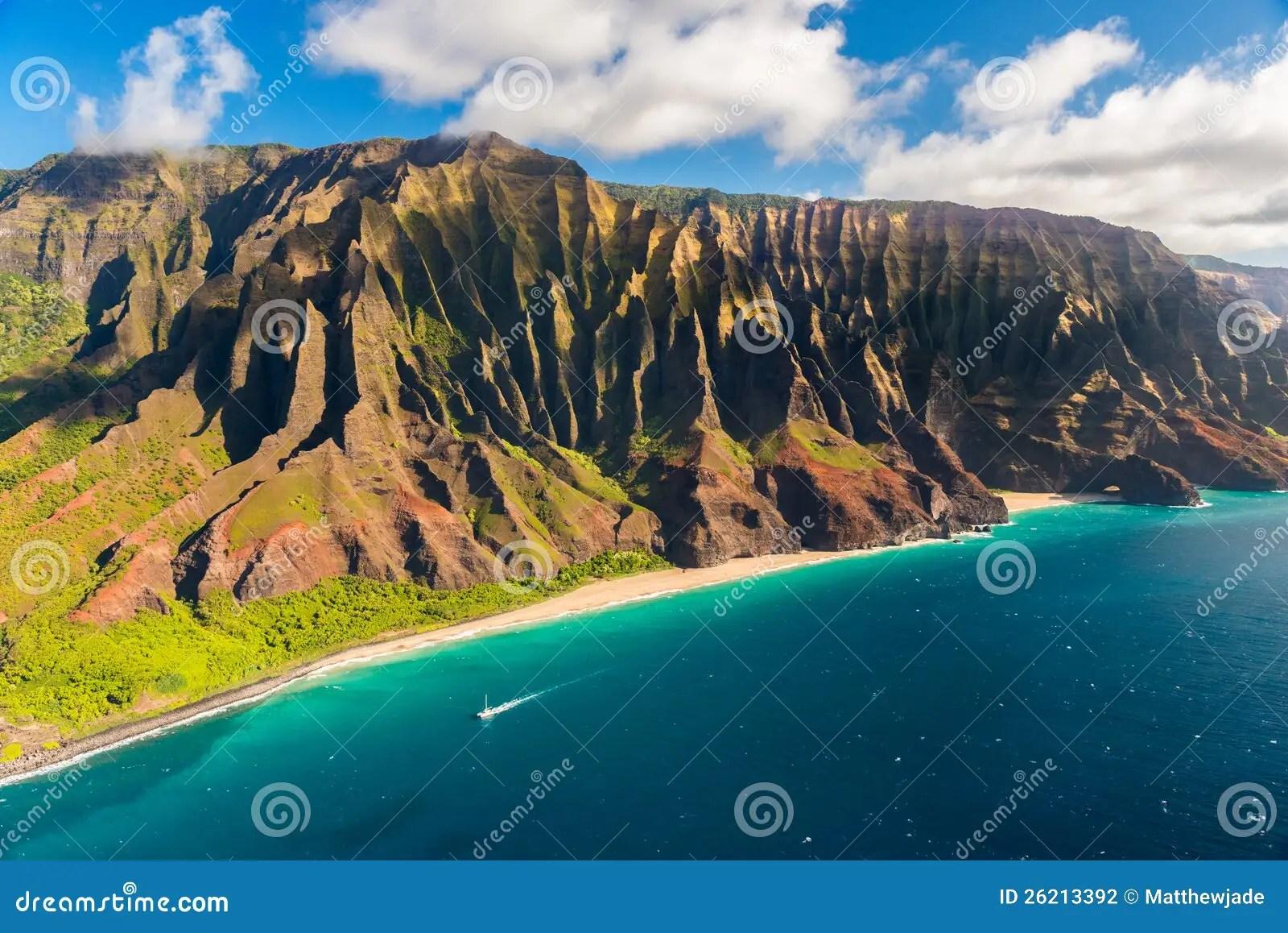 Beautiful Na Pali Coastline In Hawaii Stock Photography