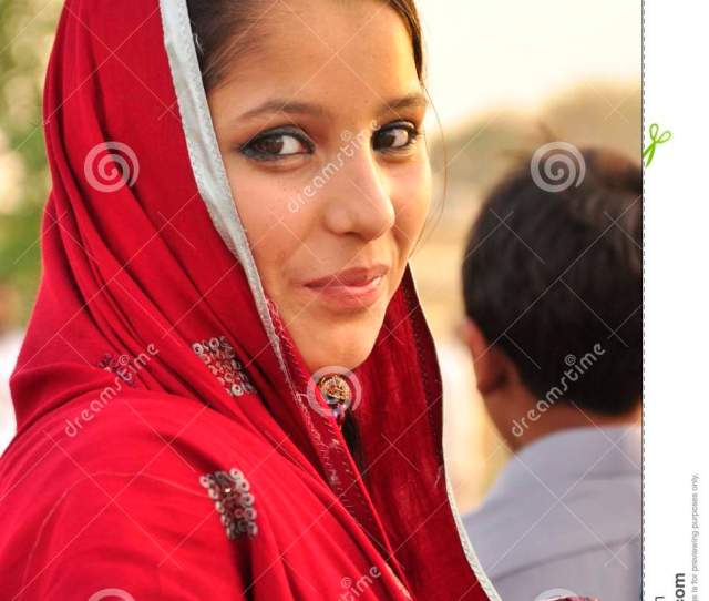 Beautiful Pakistani Young Girl Download Preview