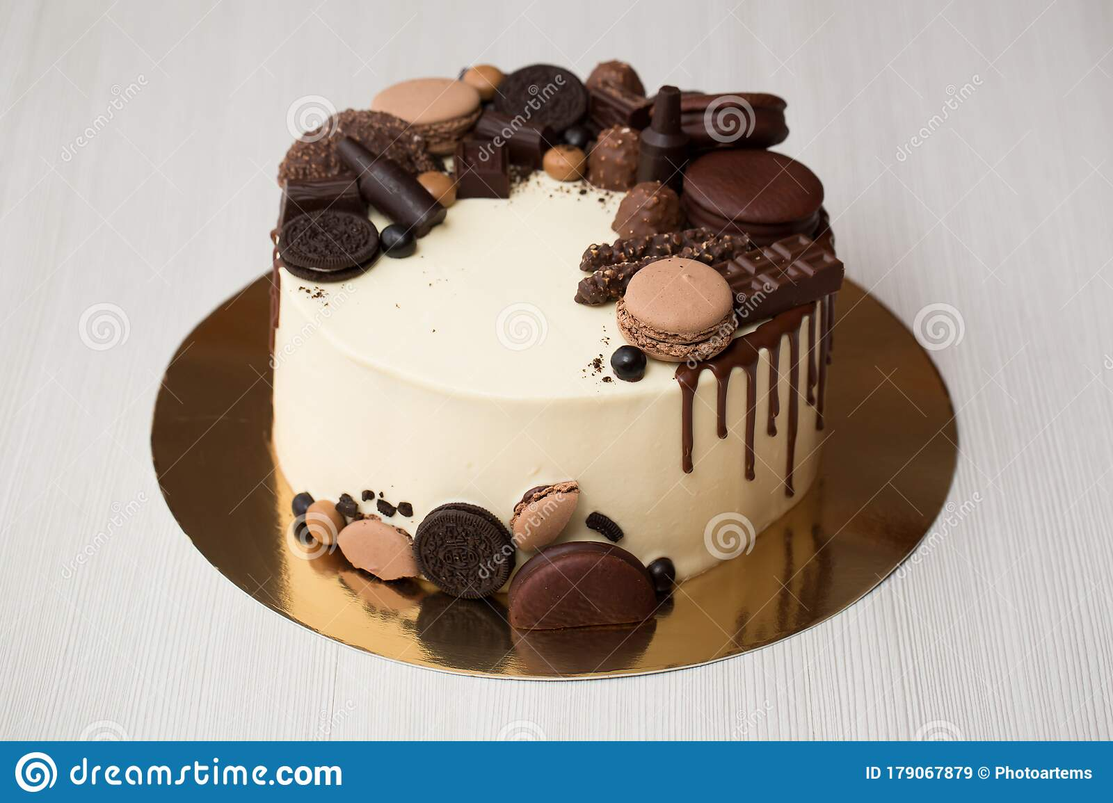 See more ideas about cake desserts, cake, cake decorating. Chocolate Cake For Men With Chocolate Decorations And The Streaks Of Chocolate Stock Image Image Of Fork Chocolate 179067879