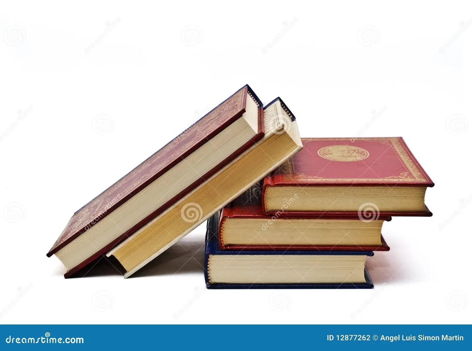 Cinco Libros A Leer. Foto De Archivo. Imagen De Instituto